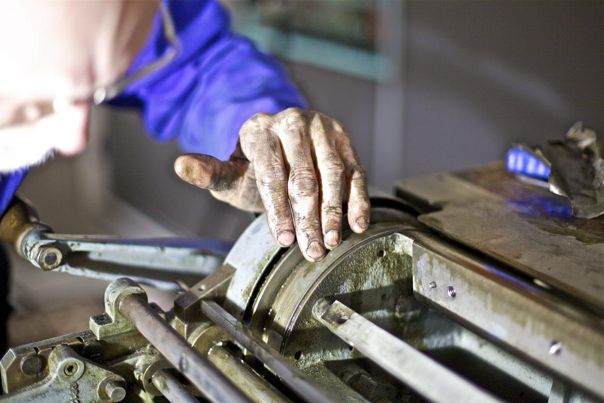 E Smerige handen maken