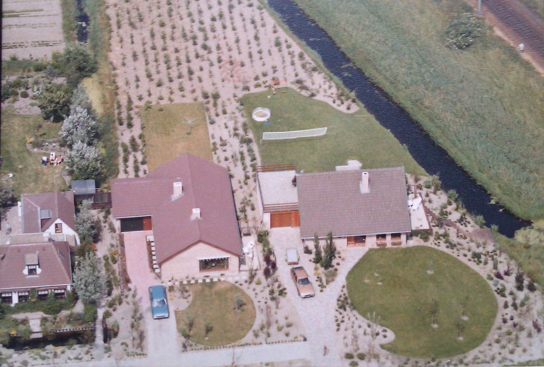 Een luchtfoto van het huis waar je opgroeide kan sterke herinneringen oproepen.